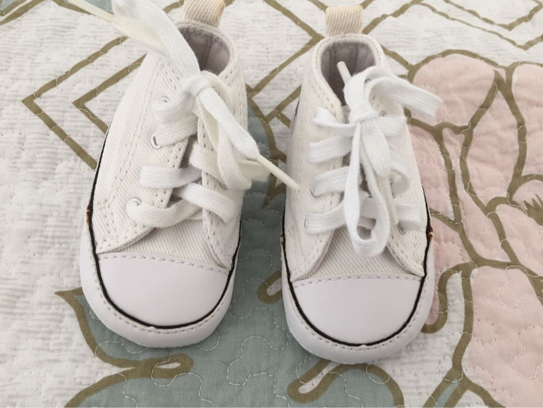 e2b769b84d1f Brand new Converse all star baby shoes
