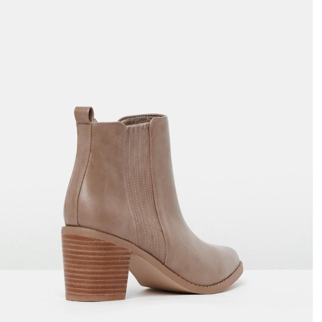 Brand new in box Dazie taupe ankle boots size 41/10
