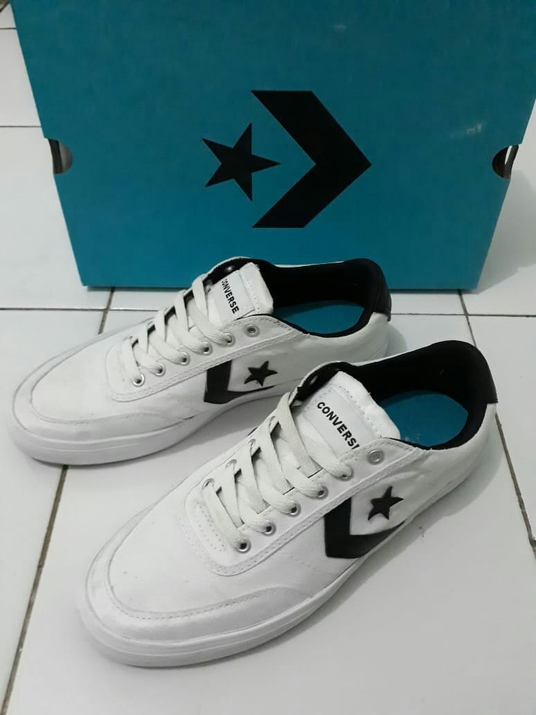 Converse Courtlandt White/Black, Fesyen