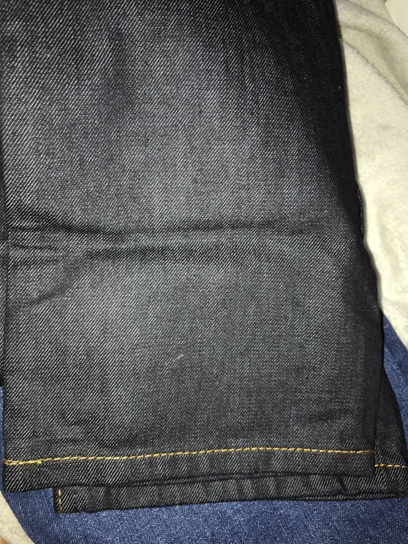 Men's straight cut jeans (waist 32)