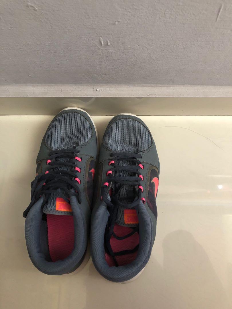 ea9859cfa6 Nike running Shoes