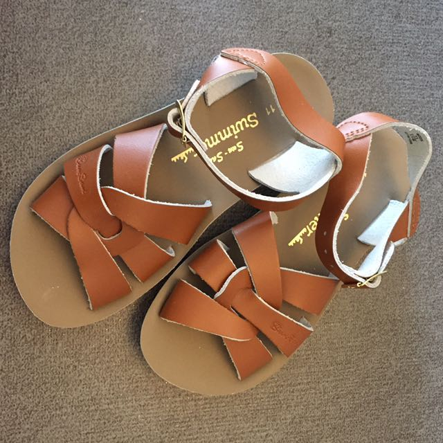 3c0d3e9ae1ca REDUCED! Youth 3 23.2cm NEW Saltwater Sandal Swimmer Tan