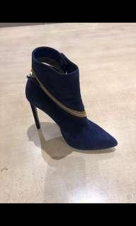 Boots size 7- originally $350
