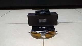 Kacamata Sunglasses Oakley Romeo 2 2.0 X Metal Plasma Gold Iridium e95878c1d5