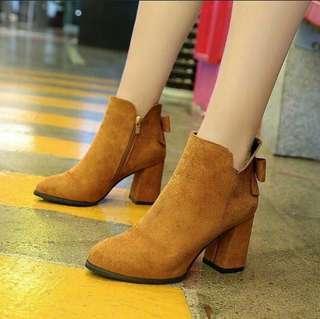 Korean / Chunky Boots