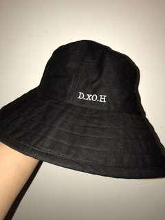 d.xo.h bucket hat ( same with Kai )