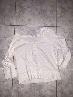 🚚 Giordano white top