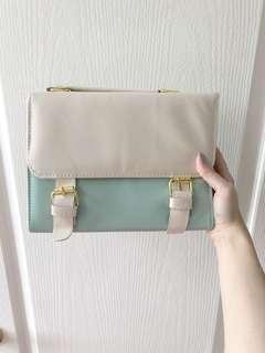Brand new never worn purse from Korea