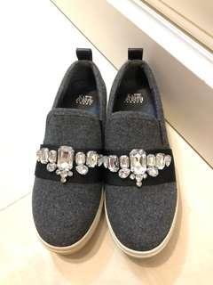 💯New 全新 KATIE JUDITH 💎鑽石💠休閒鞋👟👟購自I.T原價$899