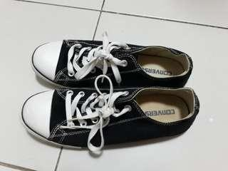 Converse Black Sneakers size 8