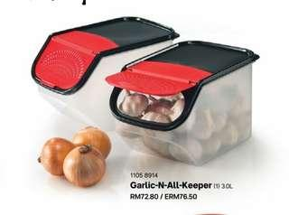 Tupperware Garlic N All Keeper