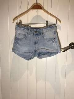 Billabong denim shorts size 26 $25