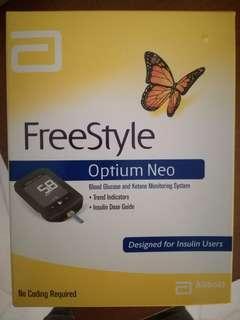 Freestyle Optium Neo Blood Glucose Meter Kit