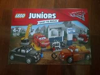 Brand New Lego Juniors Smokey's Garage 10743