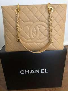 Authentic Chanel GST Caviar Chanel Classic Beige Gold Hardware