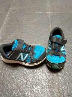 Sepatu New Balance kids size 30 - original