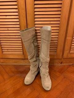 90% new Le Saunda real leather boot
