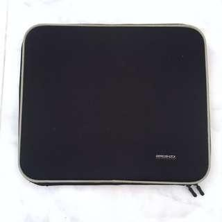 Laptop protective case