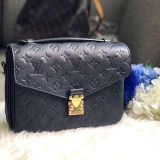 🖤Super Popular!🖤 Louis Vuitton LV Pochette Metis in Black Empreinte GHW