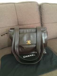 Brown Vintage Chanel shoulder handbag