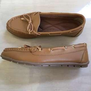 New Symbolize Flat Shoes Brown Size 37
