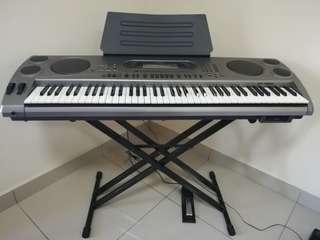 CASIO WK-1800 Keyboard - 76 Keys w Touch Response, Layer/Split, Synthesizer function