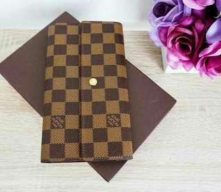 Preloved Authentic LV Trifold Wallet Damier with box