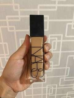 Nars Radiant Longwear Foundation in shade M2 Santa Fe
