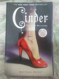 Cinder (Book 1 of The Lunar Chronicles) by Marissa Meyer