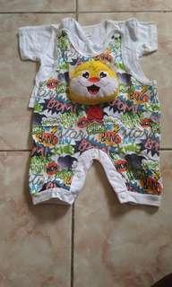 set jumper ada boneka