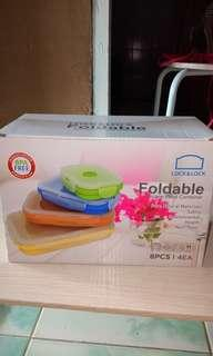 Lock and lock foldable container