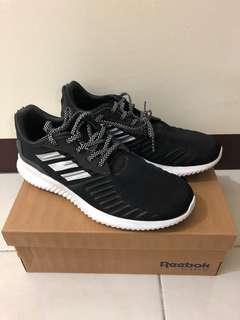 Adidas Alpha Bounce慢跑鞋(黑)