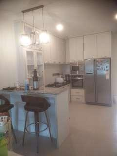 Custom Made Kitchen Cabinets & Furniture