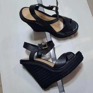 New - Schutz clay (black)