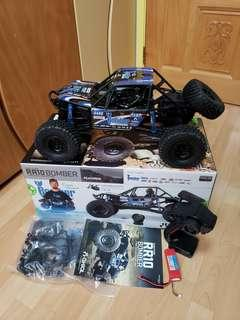 95% New Axial Bomber RR10 RTR RC Rock Racer crawler buggy truck