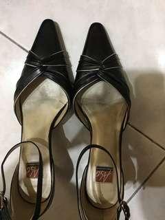 🚚 阿瘦鞋子(5.1/2)