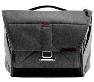 Peak design sling camera bag 13'