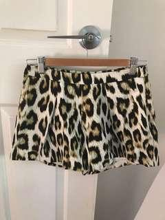 Bardot Leopard Print Shorts Size 10