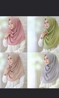 Hijab instant, tinggal 2 warna, hijau tosca dan hitam ( best seller).Baru!!