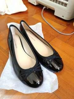 全新 Maud frizon 平底微踭婆仔鞋 shoes black