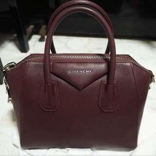 cb024ce3ffbb Givenchy Antigona Small In Oxblood Red