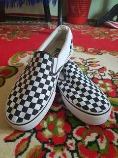 ♥️Selling fast♥️ Vans Slip on Chex Black white