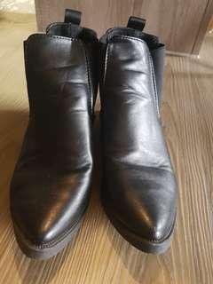 🚚 超輕軟尖頭鞋