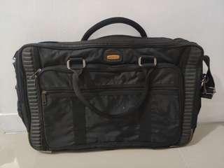 🎇❴清倉價❵ 95%新 Eminent黑色手提行李袋