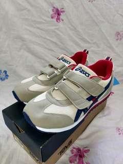 全新 ASICS 童鞋 EUR33.5碼