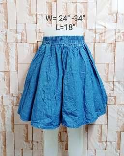 Gaterized Denim skirt