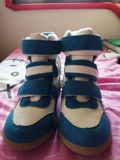 S&H sneaker wedge