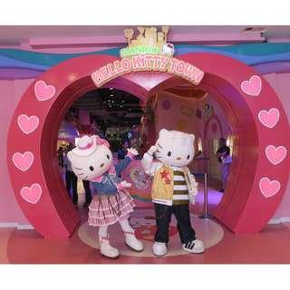 Hello Kitty / Thomas Town / 2 Park Pass - Offer