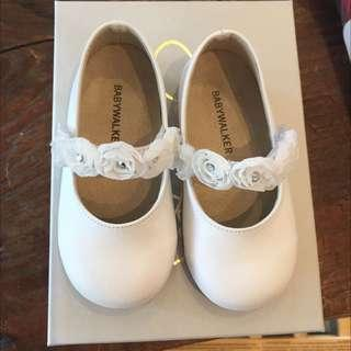 🚚 White Leather Baby Shoes Baptism Christening