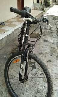 Sepeda mtb dan sepeda kranjang